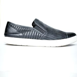 Vince black slides pointed textured size 8.5 Perfo
